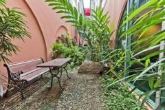 Queens Hotel - Tropical Garden