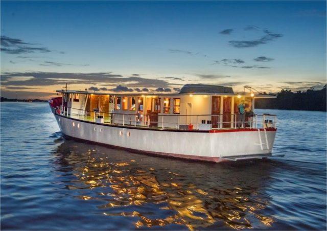 Commewijne Rivier Cruise