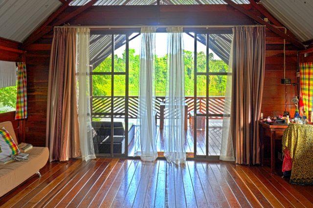 Danpaati River Lodge Luxe cabin binnen